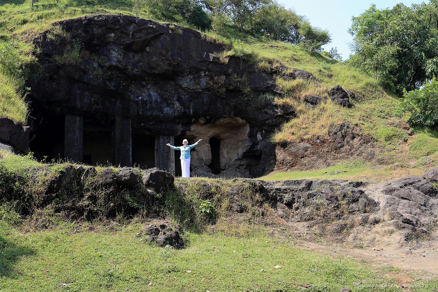 17. Пещеры восточного склона. Отчет о поездке на остров Элефанта самостоятельно. Что посмотреть в Мумбаи. Отзывы туристов из России об отдыхе в Индии (17-40, 1/80, -1eV, f9, 24 mm, ISO 100).