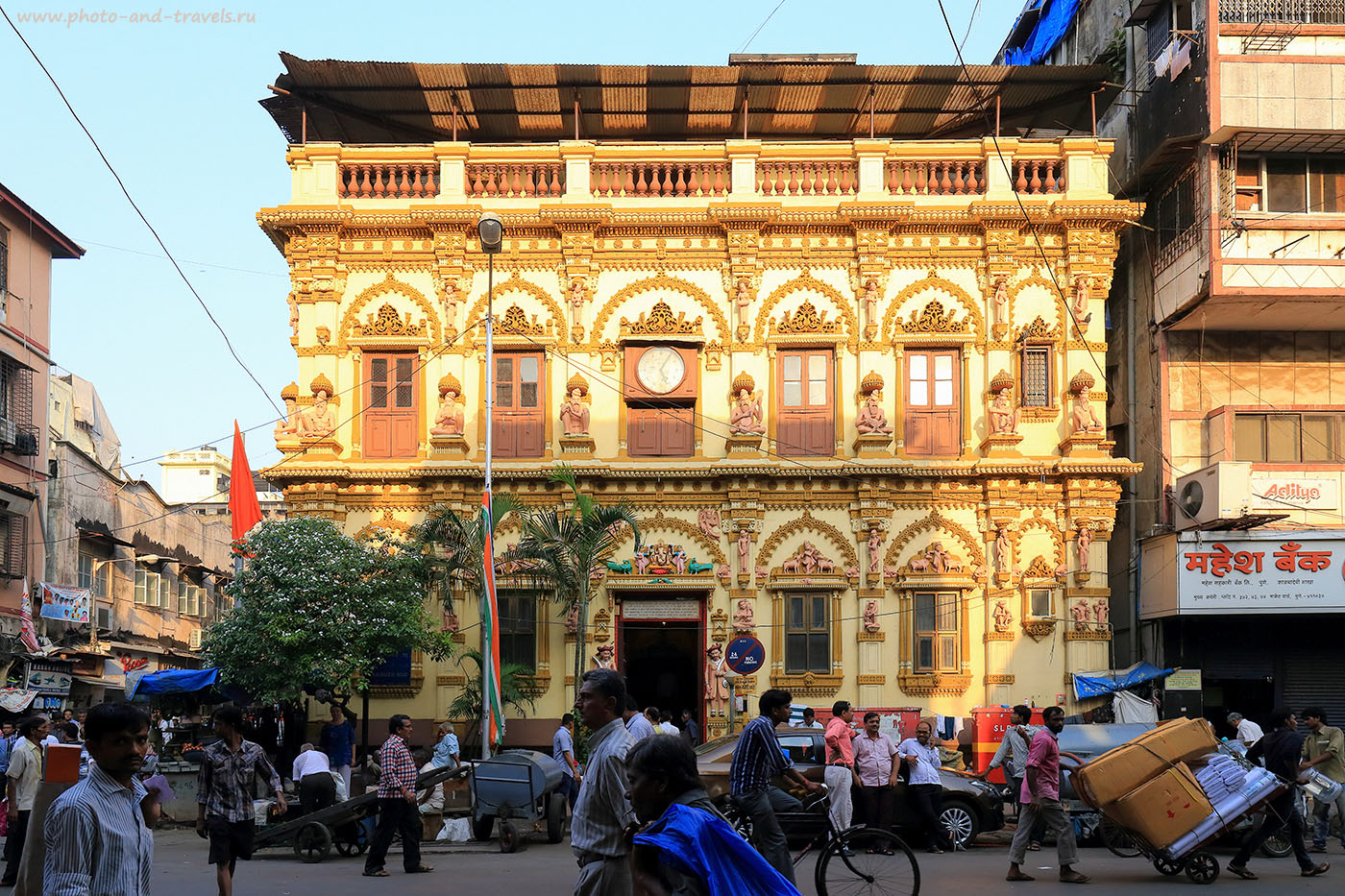 Фото 8. Храм Кришны в Мумбаи. Путешествие по Индии. Отчеты туристов. (24-70, 1/500, 0eV, f8, 24 mm, ISO 640)
