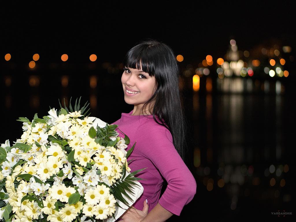 девушка Катя цветы фотограф Варганщик