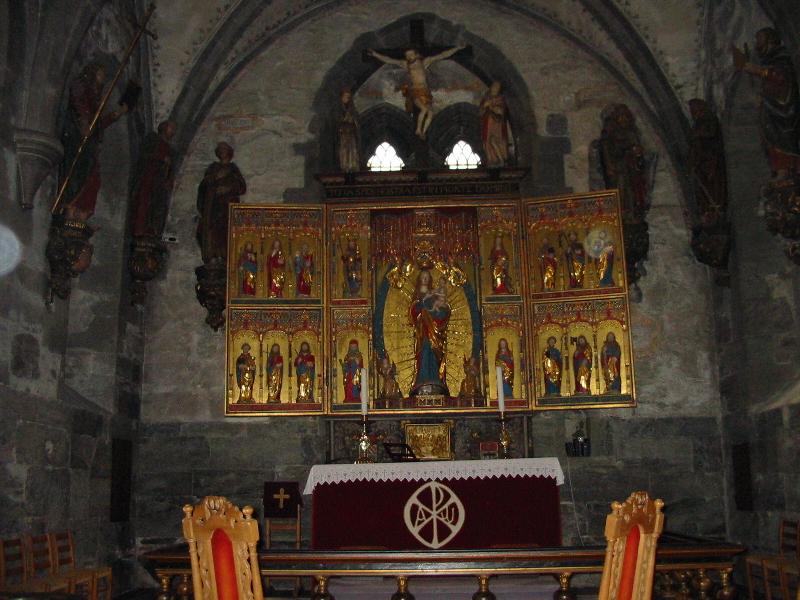 altar800.jpg