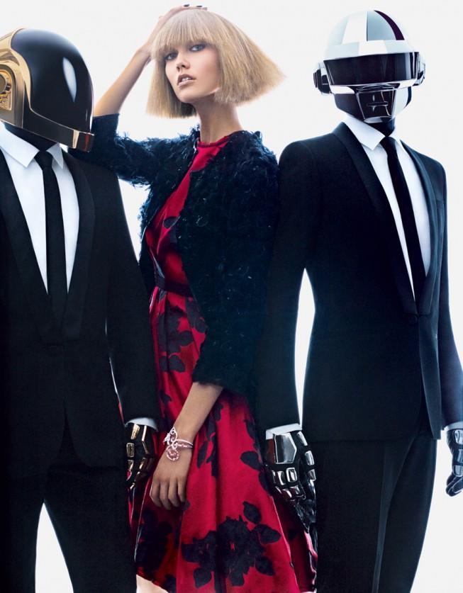 Карли Клосс для августовского US Vogue 2013