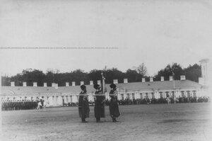 Штандарт на плацу перед Екатерининским дворцом  в день  празднования 100-летнего юбилея конвоя.