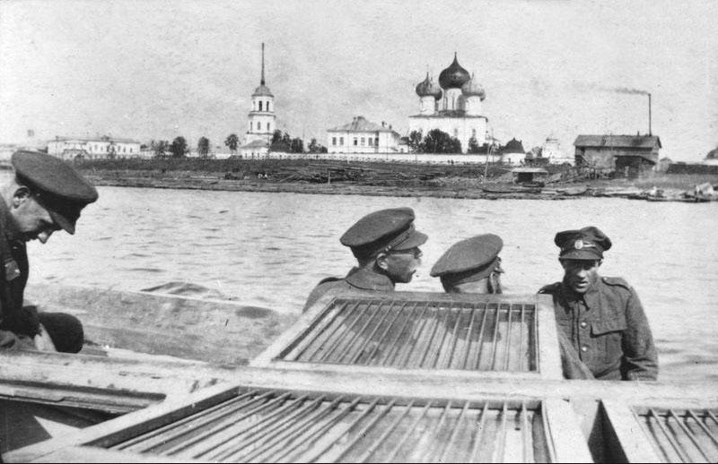 Архангельск, 1919 год. Мих-Арх. мон. и Смольный буян.jpg