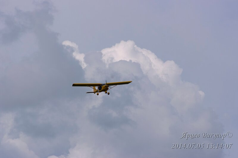 Пилоты, самолеты, зрители и сочуствующие:)