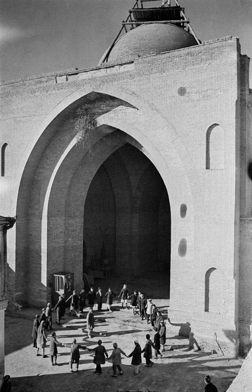 Школа в мечети