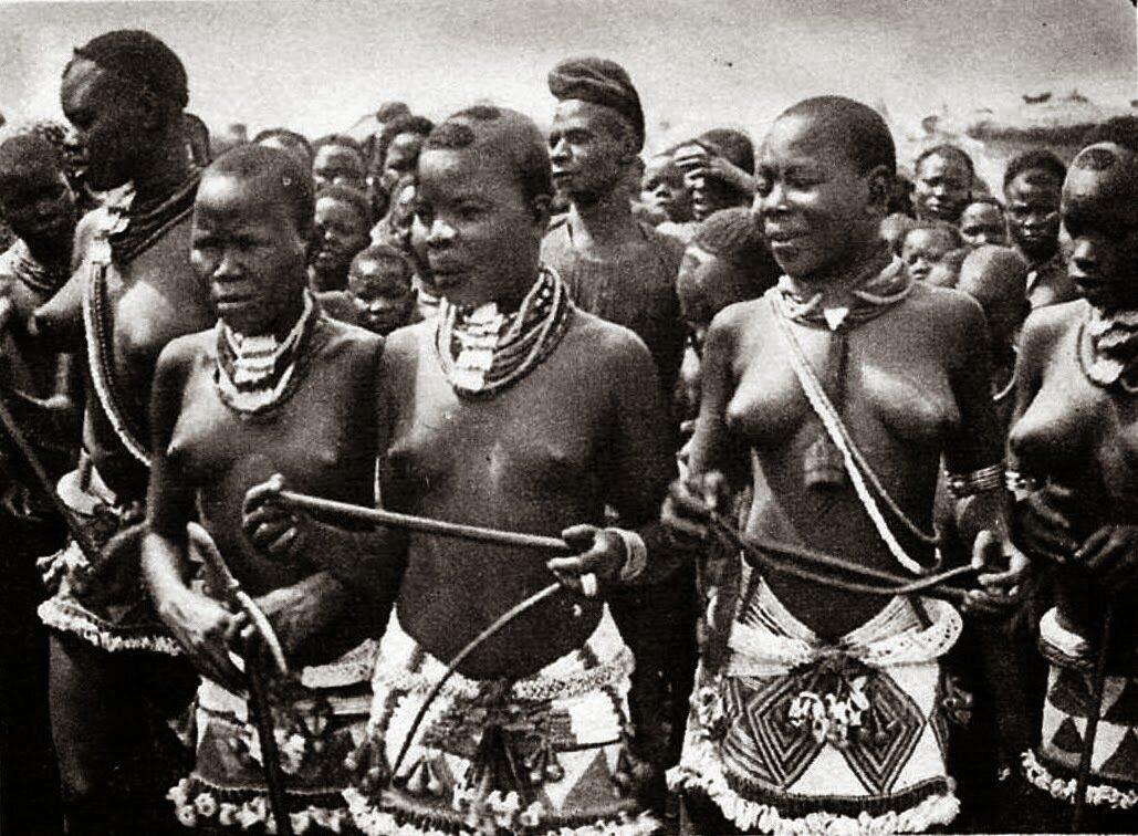 Танцовщицы племени гама. Северный Камерун