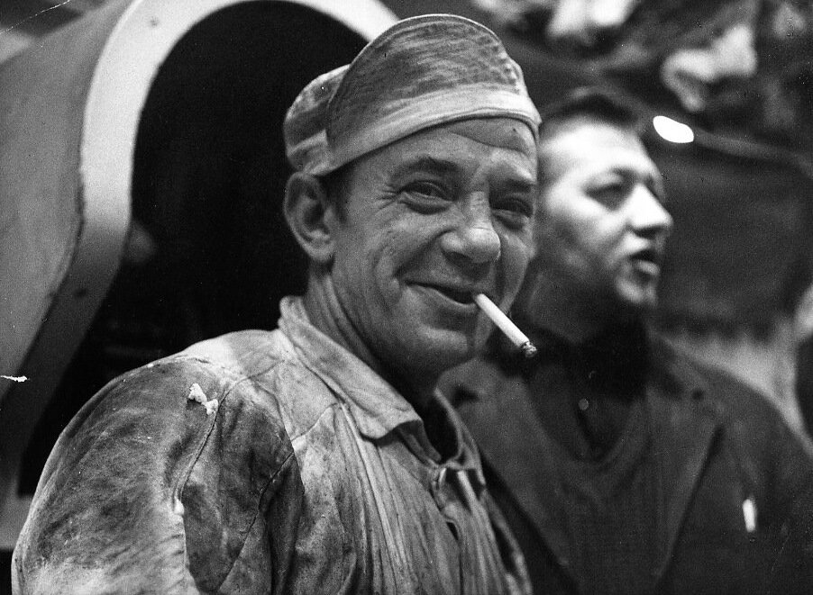 1967. Автопортрет с сигаретой