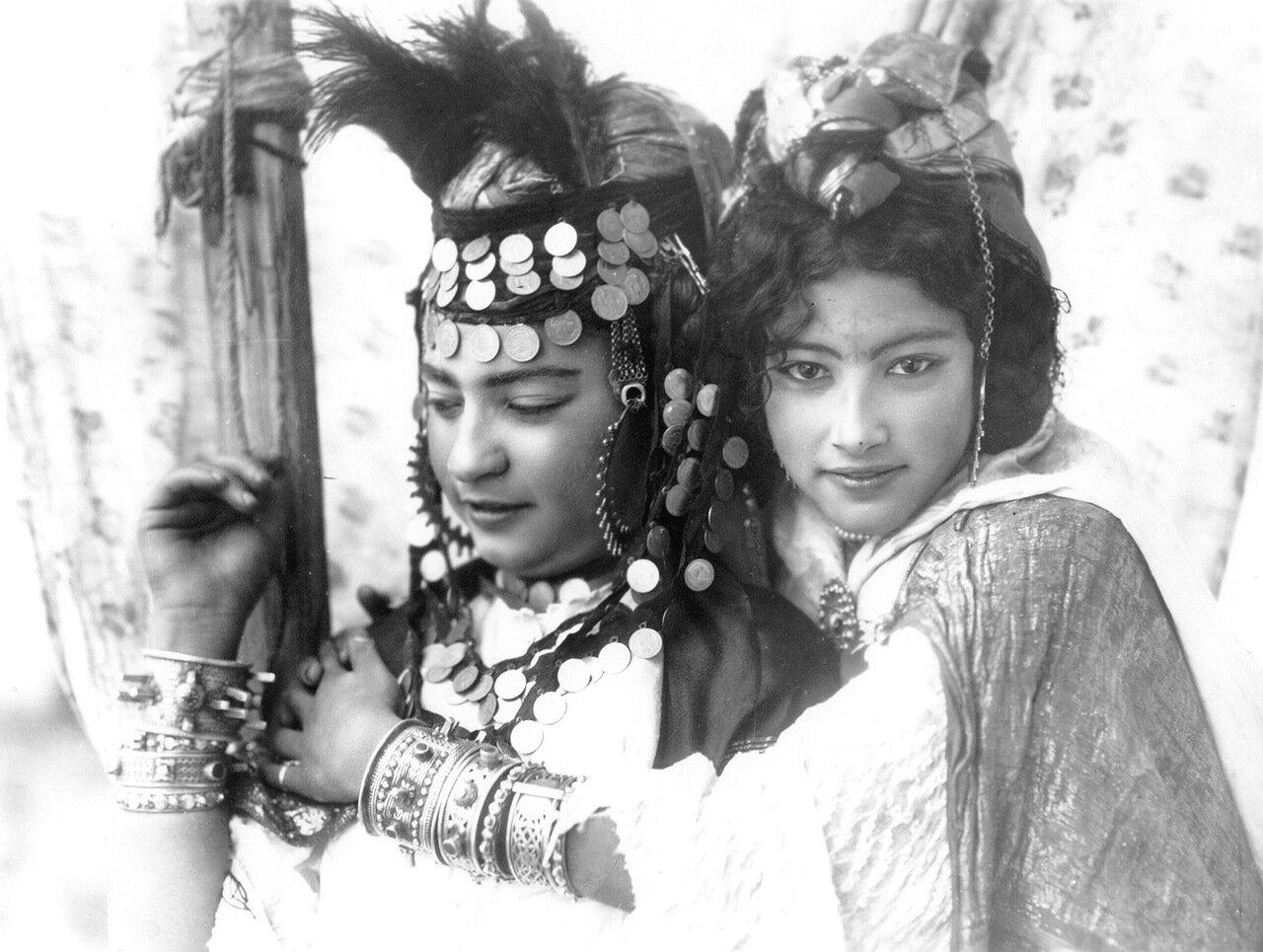 1904. Девушки из Улед-Наиль