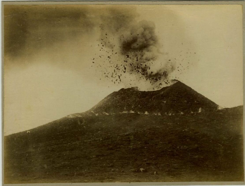 1875. Извержение Везувия