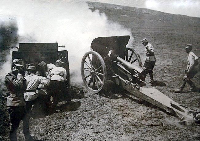 casin-valley-1917-romanian-army-soldiers-world-war-world-war-1-ww1-romania.jpg