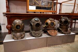 Шлемы водолазного снаряжения, Центральный военно-морской музей, Санкт-Петербург