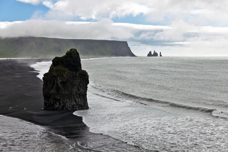 1. Чёрные берега Рейнисфьяра и кратеры вулкана Лаки.
