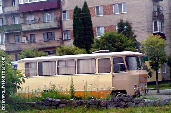 старинный автобус
