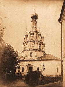 Вид Спасской церкви Толгского монастыря (построен в к.XVII-н.XVIII в.). Ярославль г., близ Ярославля