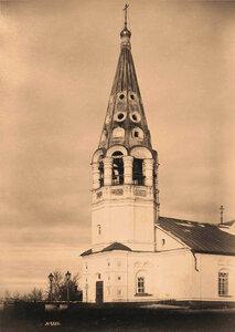 Вид колокольни Феодоровской церкви (постройка 1687 г.) Ярославль г.