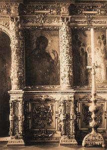 Вид части иконостаса в церкви Воскресения Словущего в Кремле. Москва г.