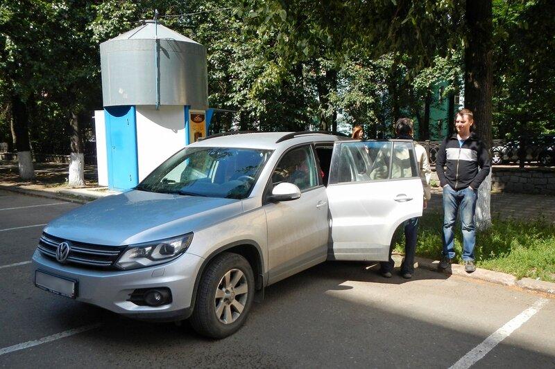 Перед стартом: грузимся в машину в Кирове