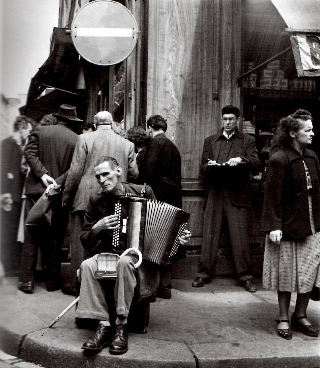 1951. Аккордеонист с улицы Муфтар