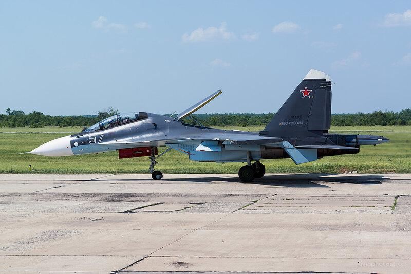 Сухой Су-30МК (RF-93667 / 57 синий) D805580
