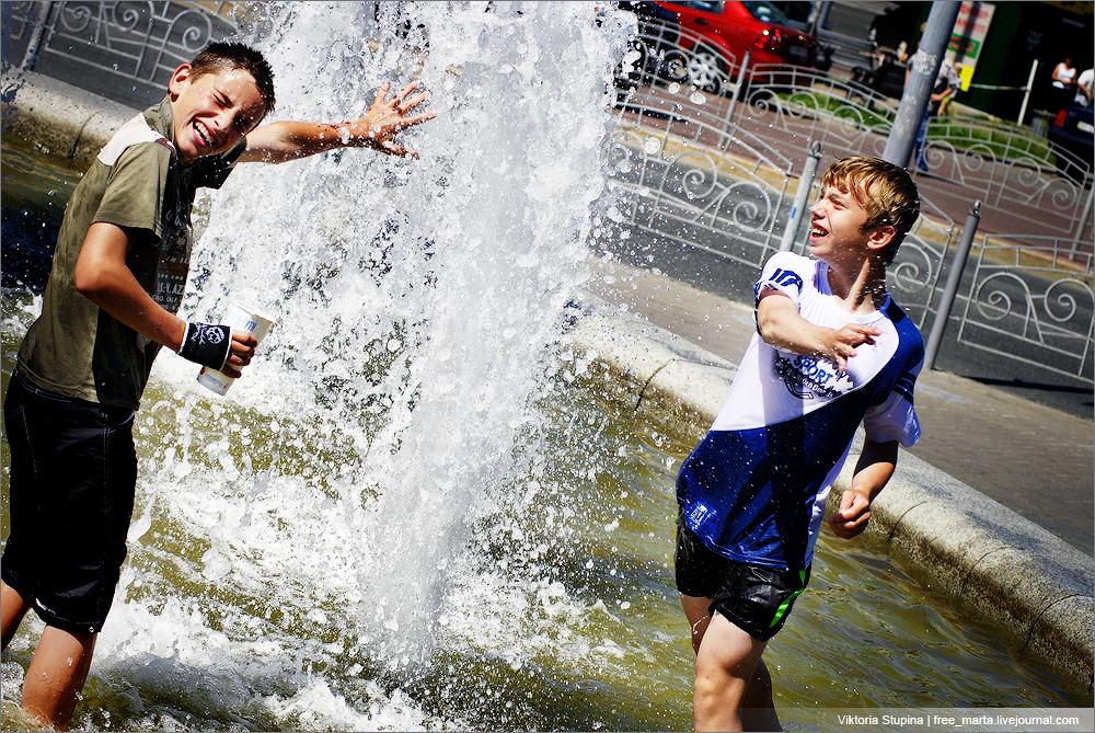 купаться в фонтанах