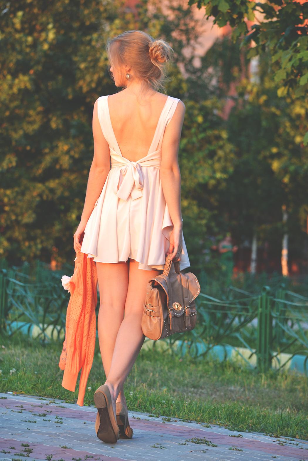 inspiration, streetstyle, spring outfit, moscow fashion week, annamidday, top fashion blogger, top russian fashion blogger, фэшн блогер, русский блогер, известный блогер, топовый блогер, russian bloger, top russian blogger, streetfashion, russian fashion blogger, blogger, fashion, style, fashionista, модный блогер, российский блогер, ТОП блогер, ootd, lookoftheday, look, популярный блогер, российский модный блогер, russian girl, как одеться летом, с чем носить мини-платье, шелковое платье, пастельное платье, балетки, красивая девушка, русская девушка