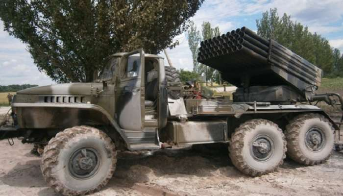 АП: Боевики разворачивают батареи гаубиц иРСЗО Град вСтаханове