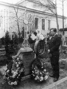 Могила студента духовной академии Б.А.Муромцева.