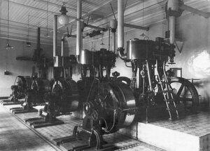 Вид электроаппаратуры в цехе завода.