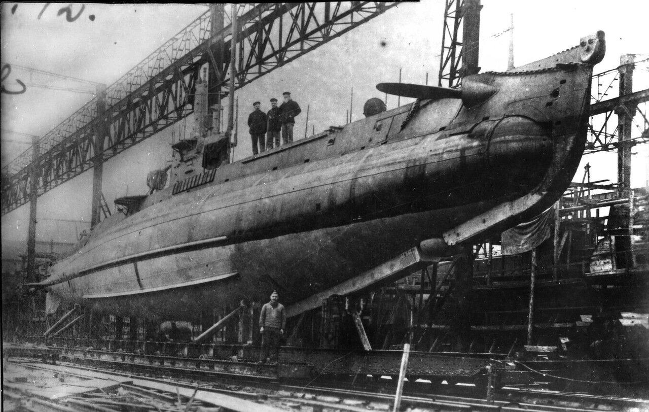 16. Подводная лодка АГ