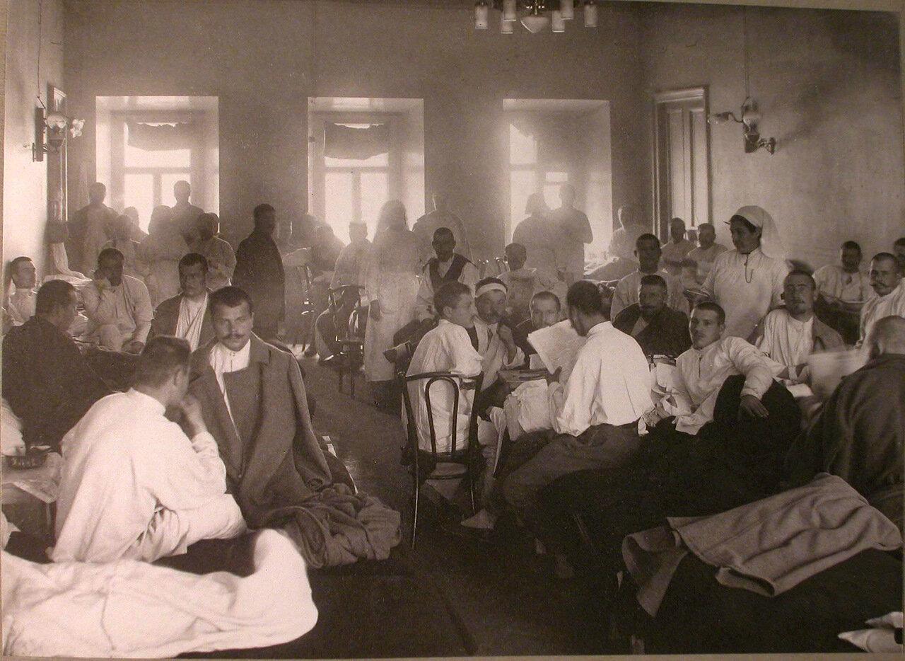 26. Раненые в палате лазарета, устроенного Латышским Благотворительным обществом