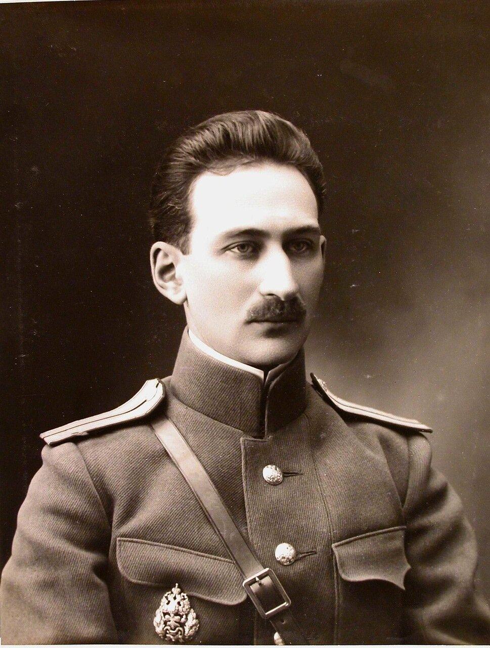 04. Портрет военного врача