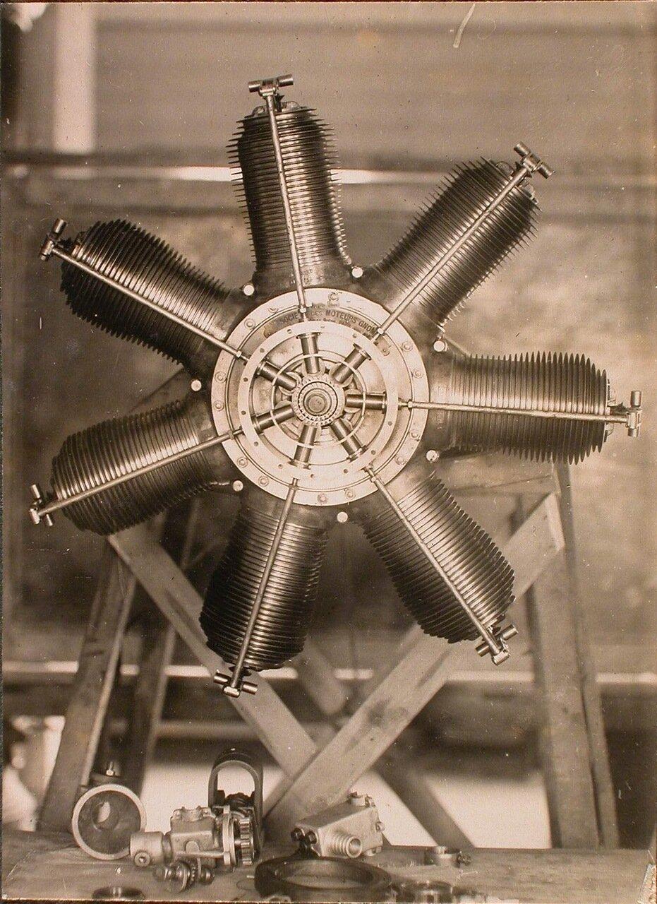 33. Вид мотора Гном (для летательных аппаратов типа Блерно)