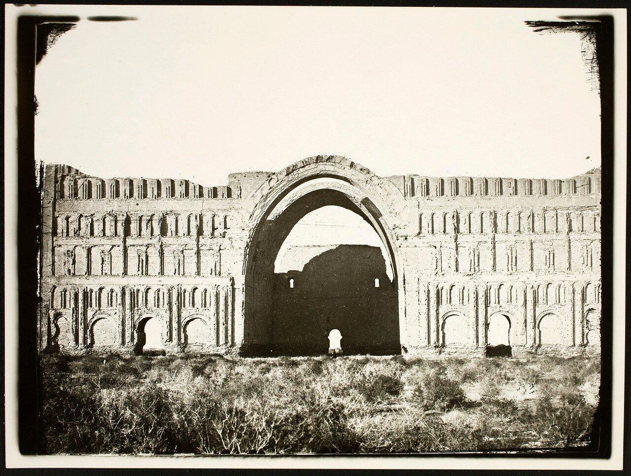 Ктесифон. Дворец Таки-Кисра - разрушенный дворец Сасанидов