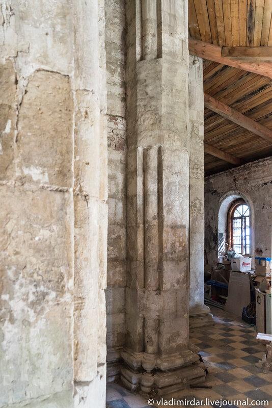 Галерея южного придела святой великомученицы Екатерины