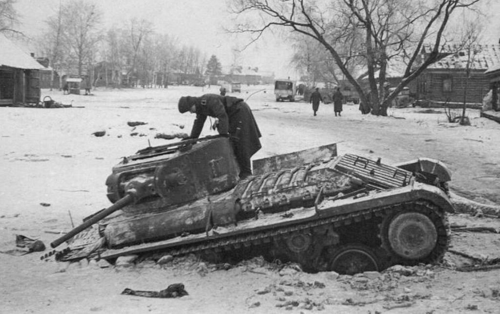 Пехотный танк Mk.III Valentine потерянный в боях под Москвой.