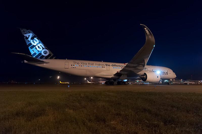 Airbus A350-941 (F-WWYB) Airbus D700149a