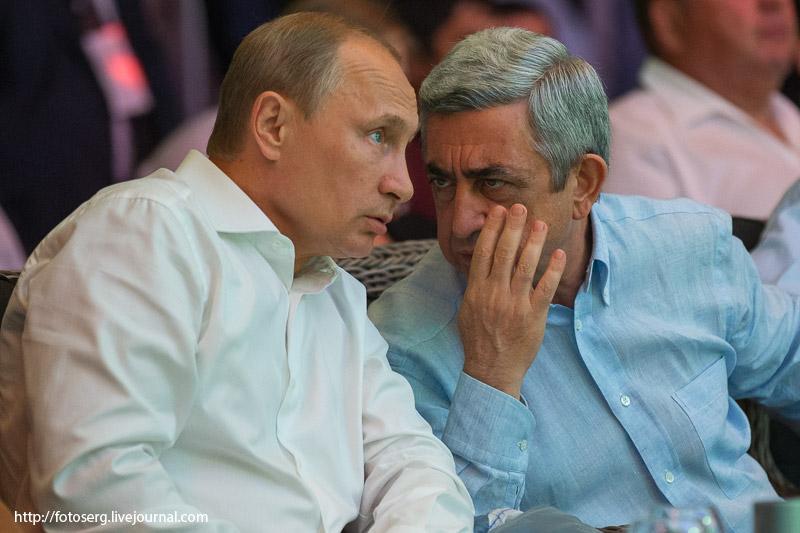 Sarkisyan Putini öz silahı ilə vurur