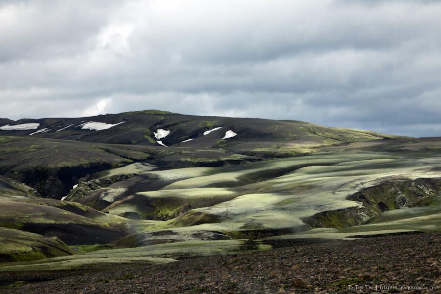 16. Чёрные берега Рейнисфьяра и кратеры вулкана Лаки.