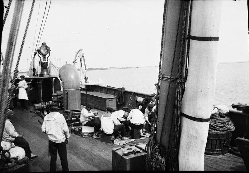 """Экипаж HMS """"Дротта"""", 1900"""