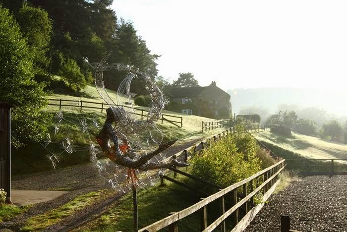 Стальные феи, ветреные и шаловливые. Скульптор Robin Wight. 25 фото
