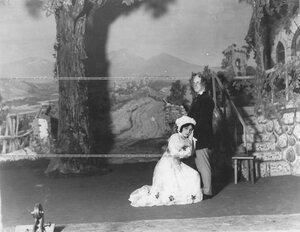 """Сцена из оперетты """"Бессмертный бродяга""""."""