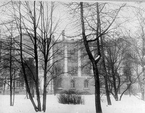 Боковой фасад здания гербария.