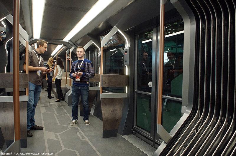 Осень. ЭкспоСитиТранс. Трамвай R1. 29.01.14.04..jpg