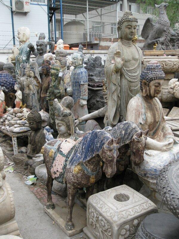 Скульптуры, рынок Паньцзяюань, Пекин