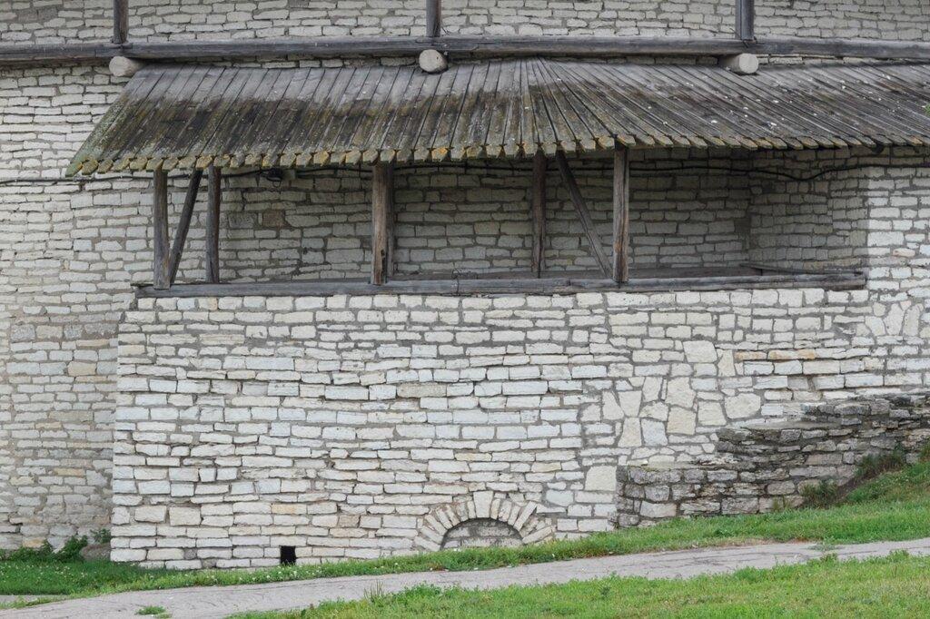 Крепостные стены, Псковский Кром