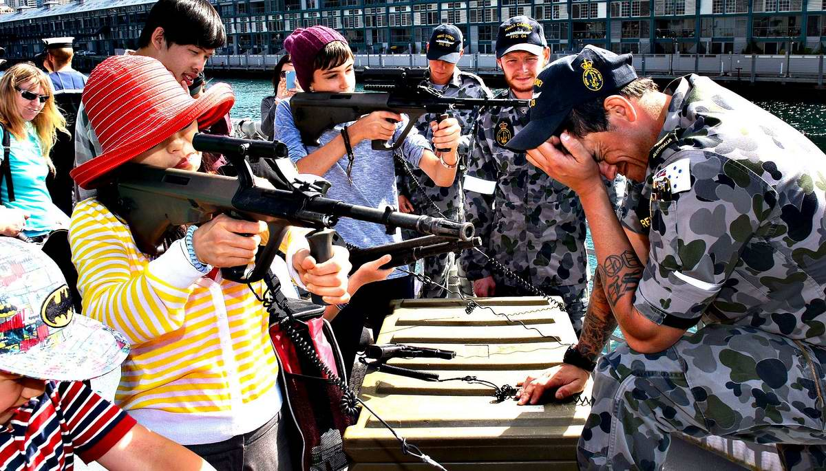 Сумасбродные тетки с оружием (1)