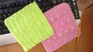 Рукоделие для дома №1: Светло-зеленая пряжа, розовая пряжа, крючок для вязания №4
