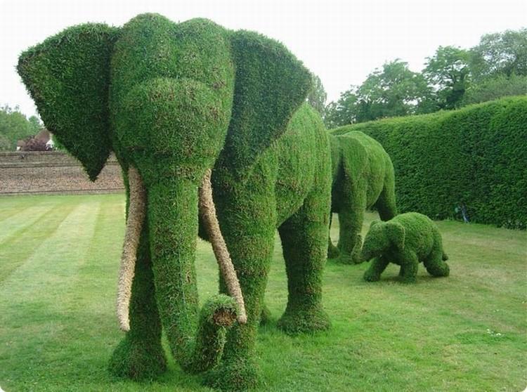 Зелёная скульптура