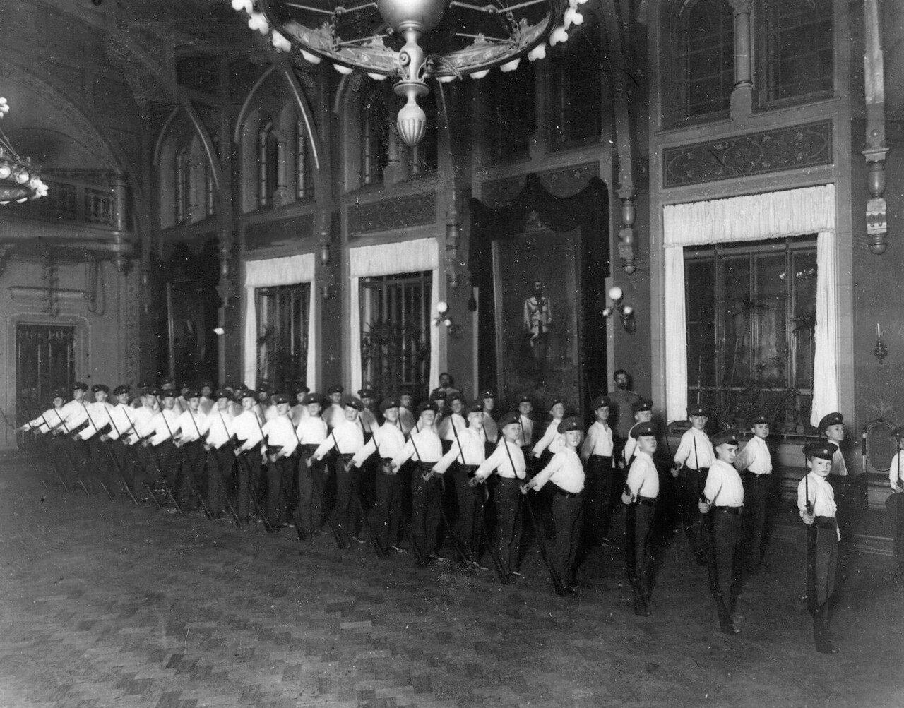 11. Занятия по гимнастике. 1911