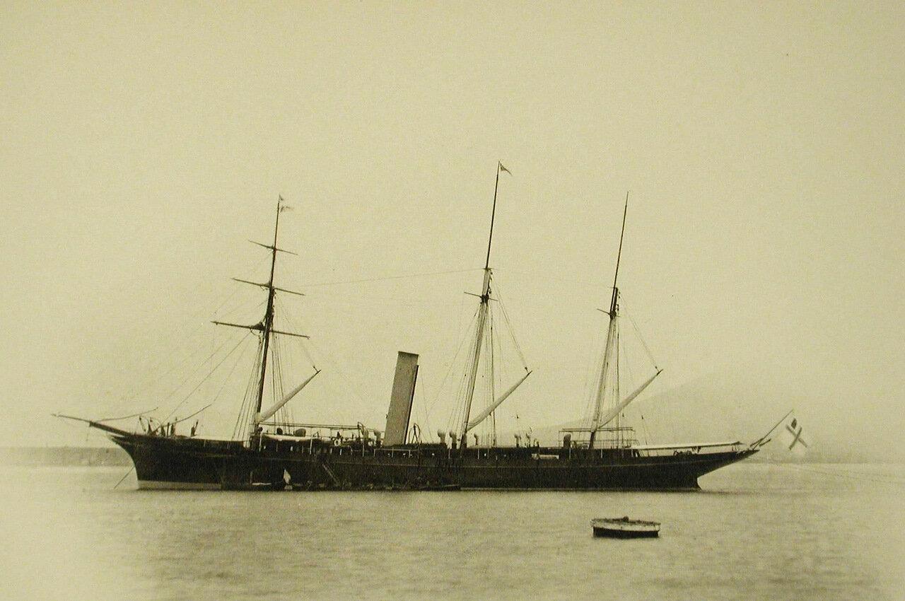 04. Вид яхты «Форос»